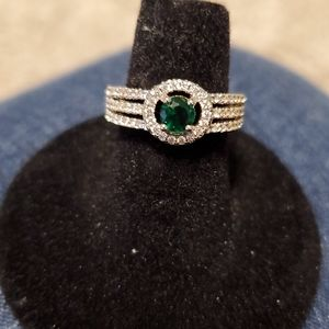 Size 6 Emerald Green ring